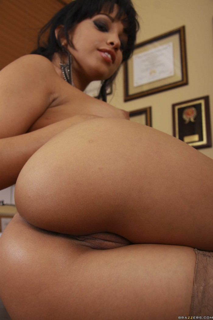 Abella Anderson Ass and Pussy